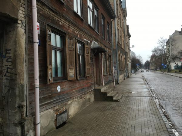 More wooden buildings in Riga