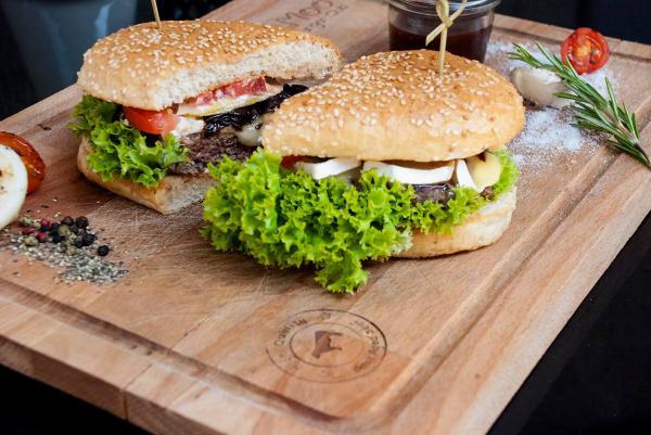 Moo Moo Steak and Burger Club