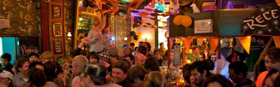 Flying Pig Downtown Hostel Party Hostels in Amsterdam (Netherlands ...